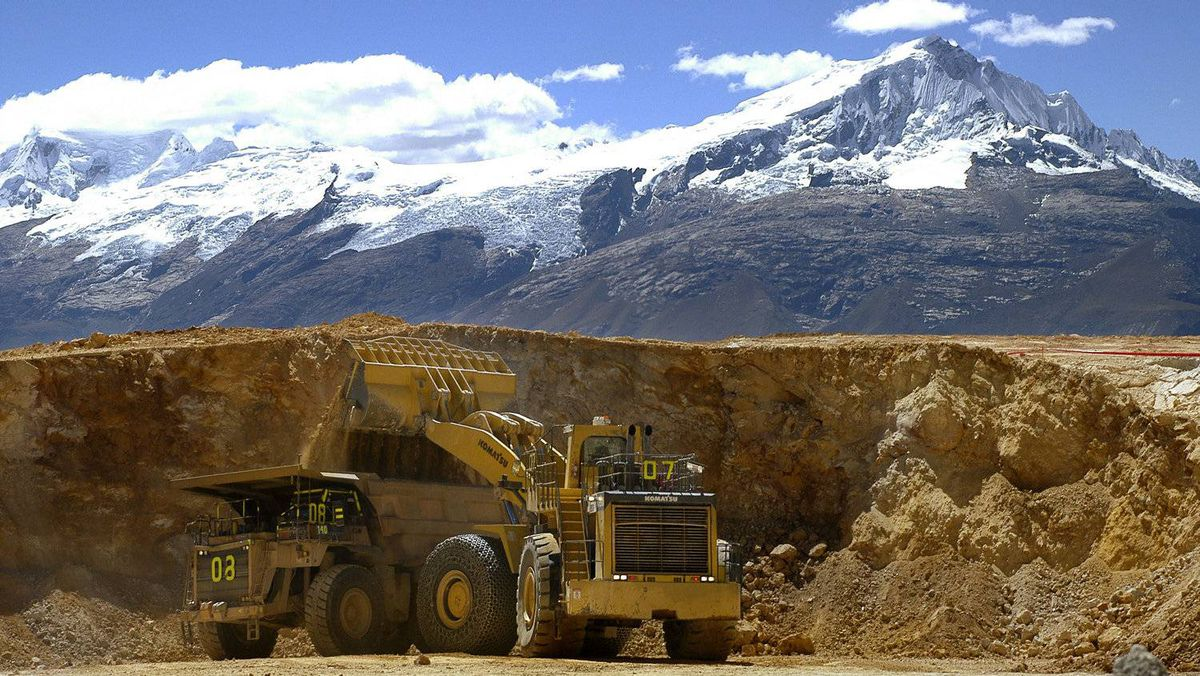 NGOs and mining companies must collaborate with each other, and developing communities, to maximize sustainable development