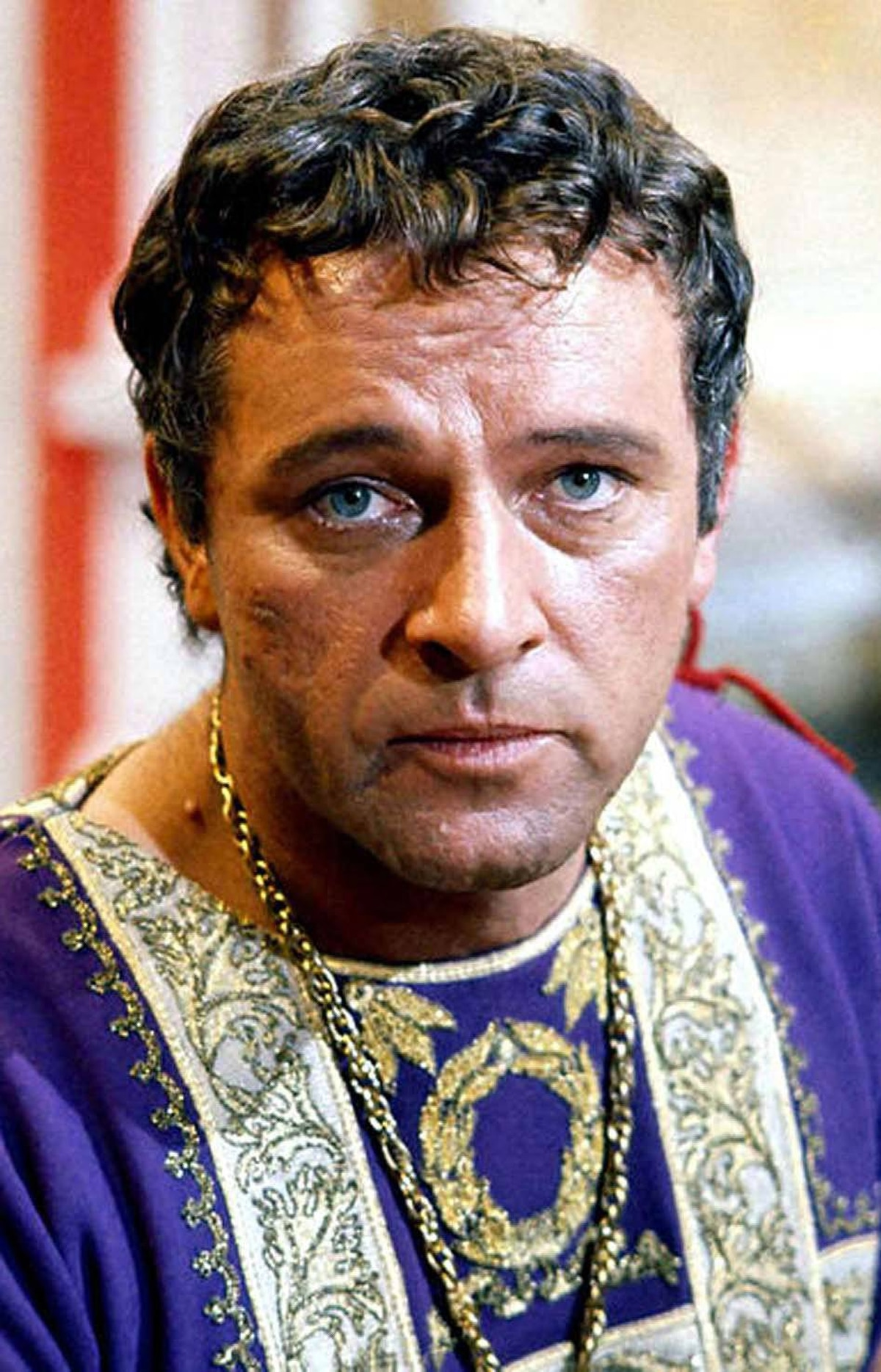 "MOVIE The Robe Vision, 11 p.m. ET; 8 p.m. PT The first movie ever released in the big-screen process of CinemaScope, this 1953 biblical epic was billed as ""the modern miracle you see without glasses!"" (a not-so-sly dig at the 3-D movie craze at the time). Richard Burton plays the cynical Roman tribune Marcellus, who is sent to Jerusalem to assist in the crucifixion of Jesus Christ. While gambling with his fellow soldiers Marcellus wins the robe Jesus wore to his death and is immediately stricken with violent hallucinations. Marcellus believes the curse can be halted by destroying the garment, but first he has to find the robe's new owner: the escaped slave Demetrius (Victor Mature)."