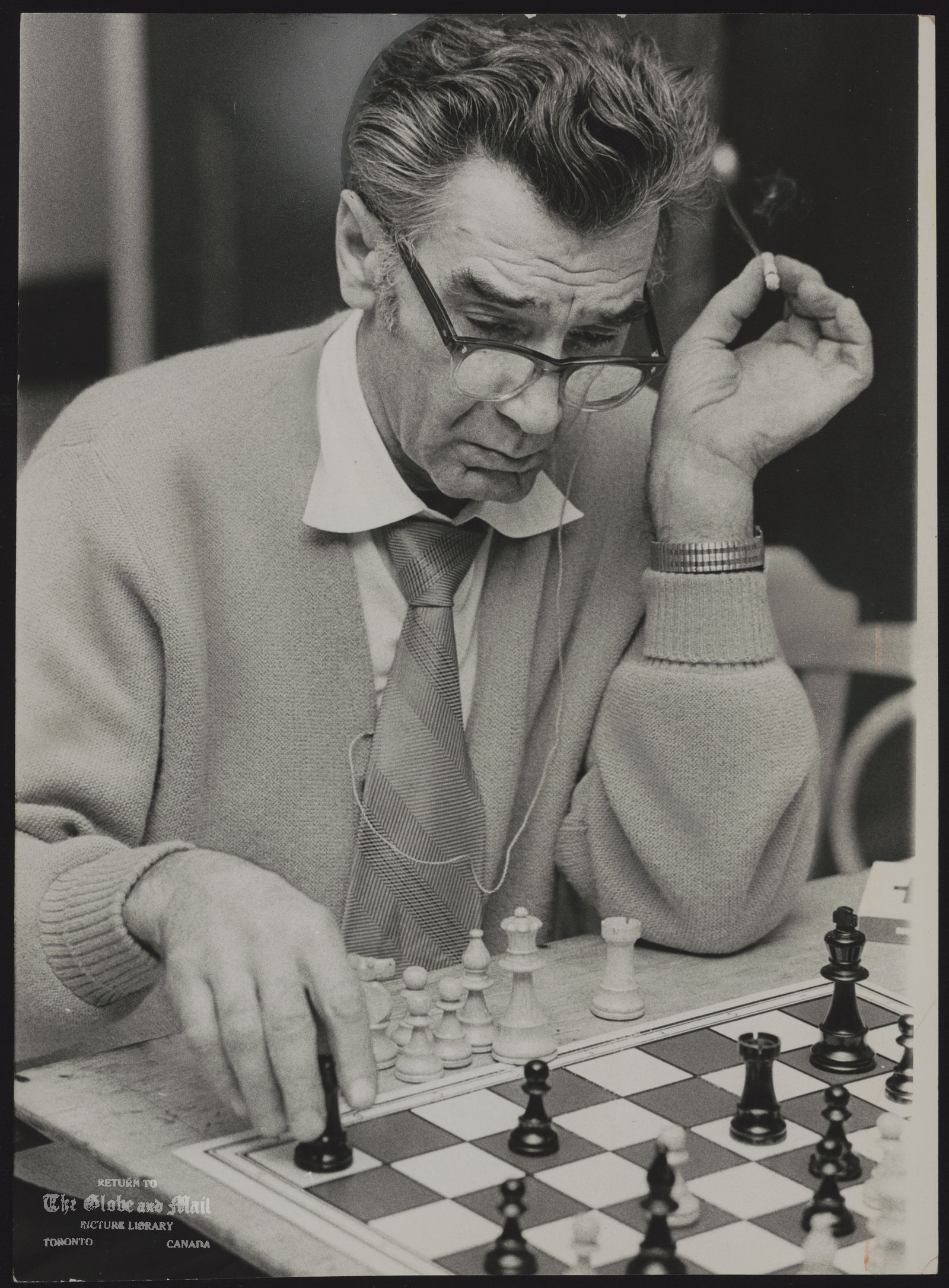 CHESS (Albert Cutler makes his move.)