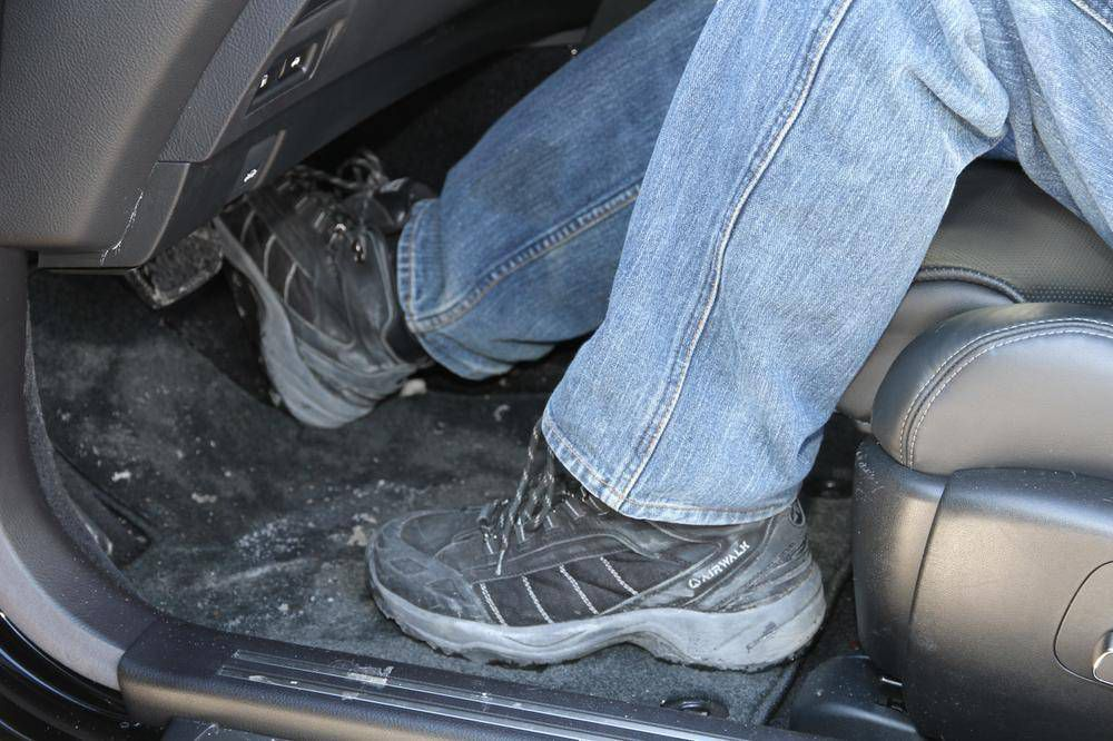 How do I remove salt stains from my car's floor rug? - The Globe and Mail