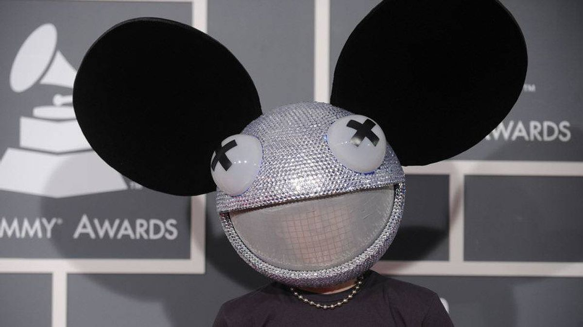 Deadmau5 arrives at the 51st Annual Grammy Awards at the Staples Center in Los Angeles on February 8, 2009.