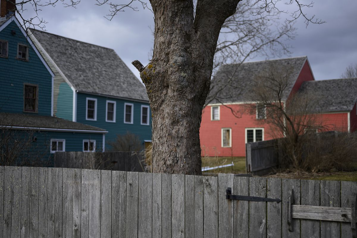 In the Maritimes' rising tide of population growth, rural communities flounder as cities float