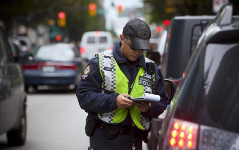 Police push to deter distracted driving