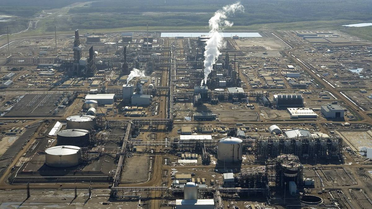cnrl preparing to resume oil sands production after fire