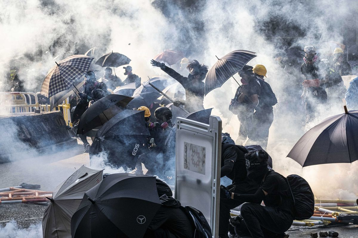 Protester shot by police in escalating Hong Kong clashes - The Globe and Mail