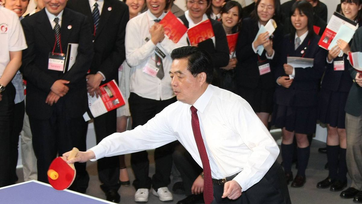 Chinese president Hu Jintao plays table tennis at Waseda University's Okuma Garden House on May 8, 2008 in Tokyo, Japan.
