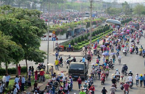 Thousands of workers strike for 6th day at Nike, Adidas factory in Vietnam