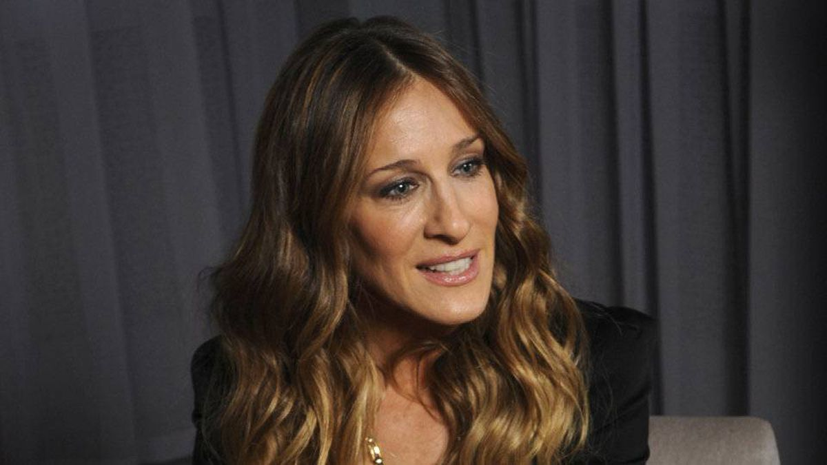 Sarah Jessica Parker visits Toronto on March 16, 2010, to promote Halston Heritage, an updated collection of the famous 1970s dress label that will be sold at the Bay.