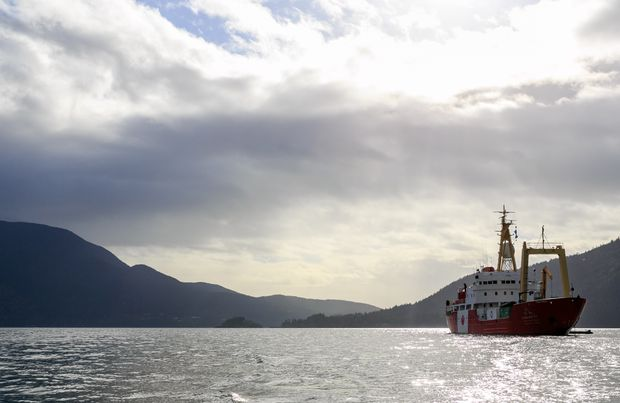 Toddler pulled from Howe Sound in B.C. in stable condition after being rescued by mystery man