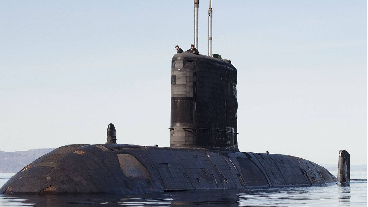 The Canadian submarine HMCS Corner Brook prepares to get underway after taking Canadian Prime Minister Stephen Harper onboard for a visit in Frobisher Bay in the Canadian Arctic August 19, 2009. The Corner Brook is a long range patrol submarine.