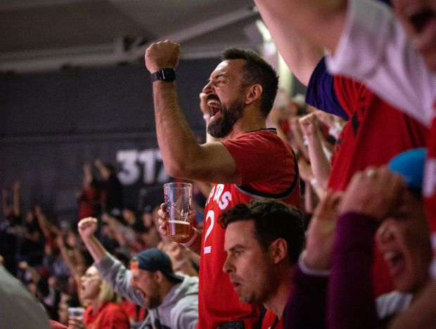 more photos 85270 d6f09 Toronto Raptors fan travels from China to attend 'once-in-a ...
