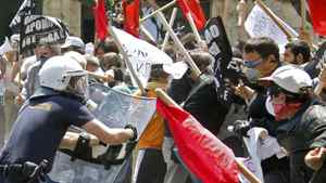 Demonstrators protesting against Greece's austerity measures clash with riot police in Athens, May 4, 2010