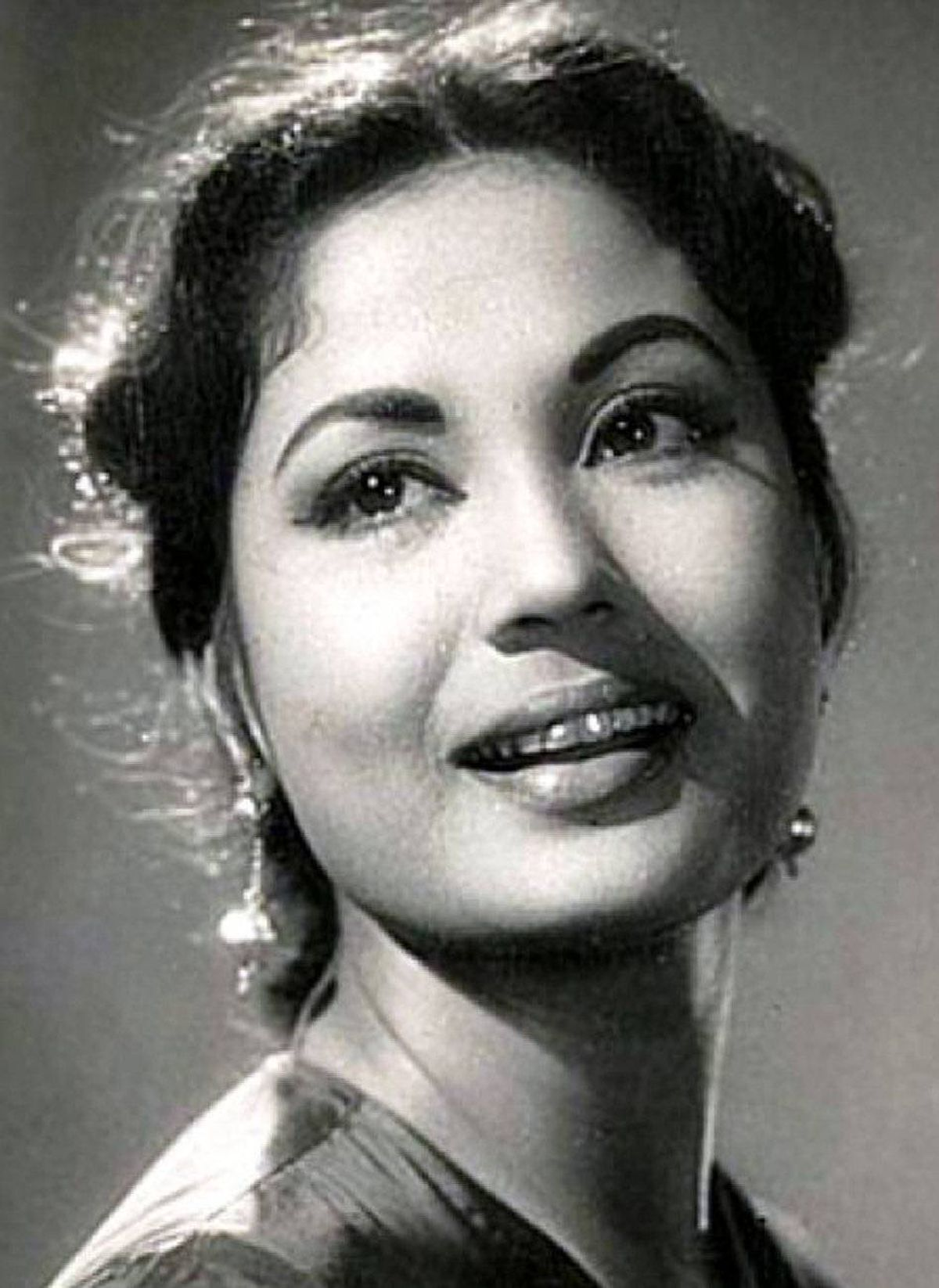 """Meena Kumari Bollywood's """"Tragedy Queen,"""" Kumari is best known for her roles as an alcoholic wife in the 1962 film Sahib Bibi Aur Ghulam (still regarded as one of the best performances of Hindi cinema) and as a courtesan who falls in love with a local nobleman in 1972's Pakeeza. Devastatingly, her life off-screen soon came to reflect her troubled characters. She took her own life at the age of 39, just weeks after Pakeeza's release."""