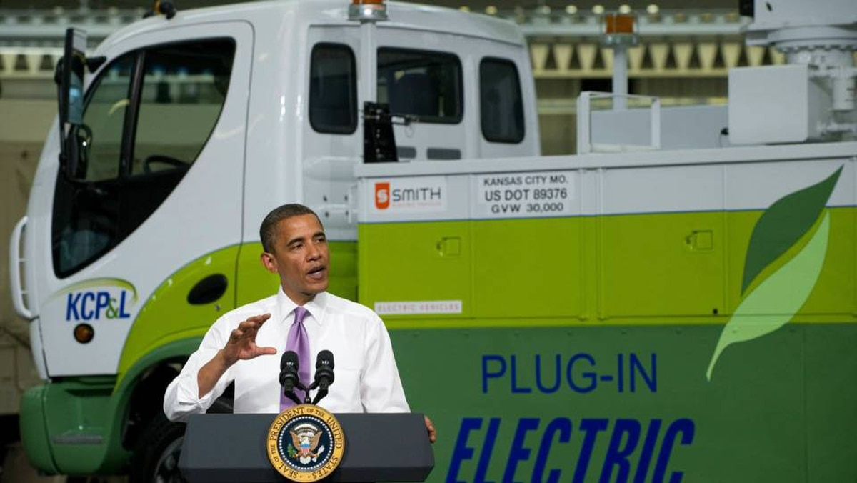 US President Barack Obama speaks on the economy and job creation at Smith Electric Vehicles in Kansas City, Mo.