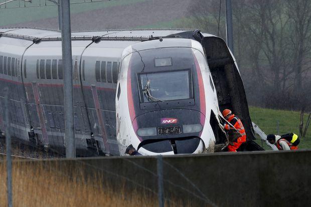 Twenty-two hurt after high-speed train derails in eastern France