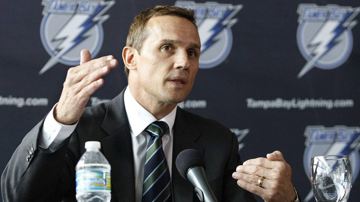 Steve Yzerman addresses the media during a news conference in Tampa, Florida, May 25, 2010.
