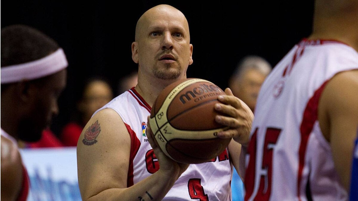 One of the world's best outside shooters in wheelchair basketball, David Durepos of Fredericton, New Brunswick, has been named the Opening Ceremony flag bearer for Team Canada at the Guadalajara 2011 Parapan American Games. (CNW Group/CANADIAN PARALYMPIC COMMITTEE