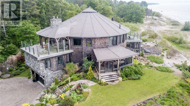 Cool Luxury Georgian Bay Cottage Listing Aims For High Water Mark Interior Design Ideas Tzicisoteloinfo