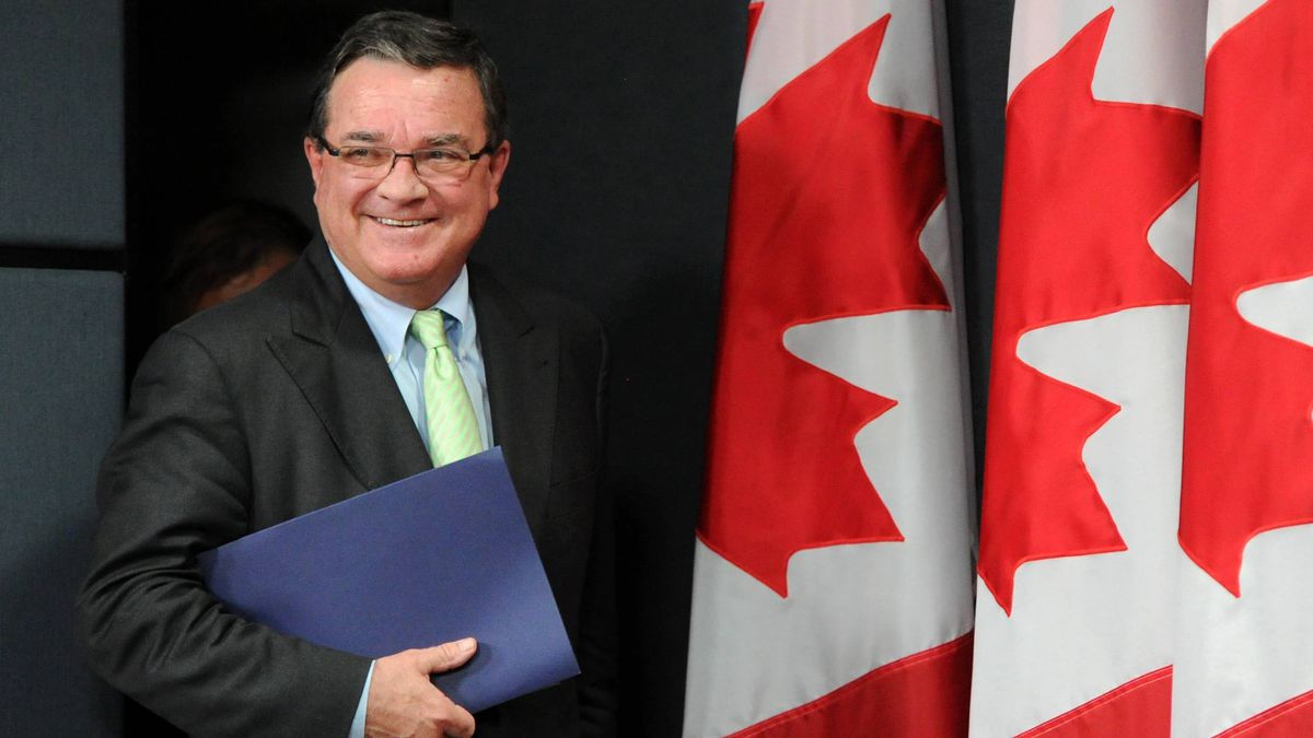 Minister of Finance Jim Flaherty arrives to a press conference at the National Press Theatre in Ottawa on Thursday, June 21, 2012.