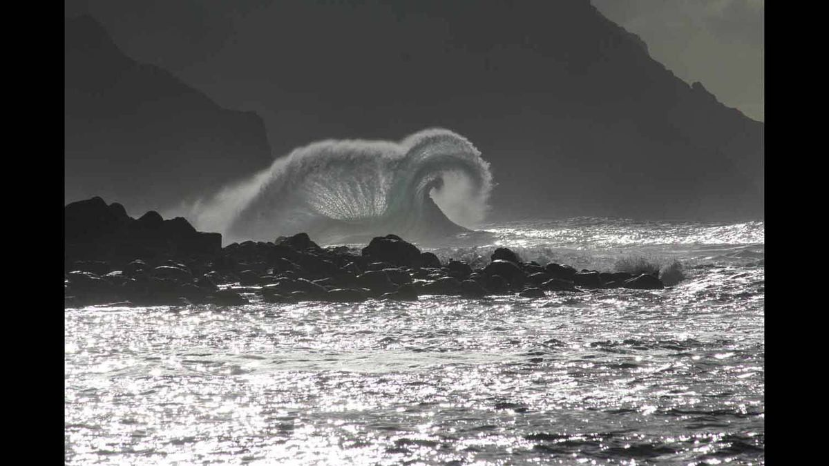 The next second of the first wave. Kauai-Dec 2011.