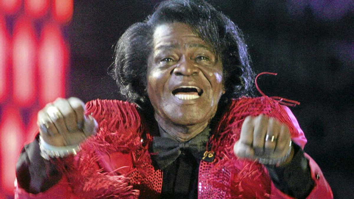 Singer James Brown performs at a concert in Murrayfield stadium in Edinburgh in this July 6, 2005 file photo.