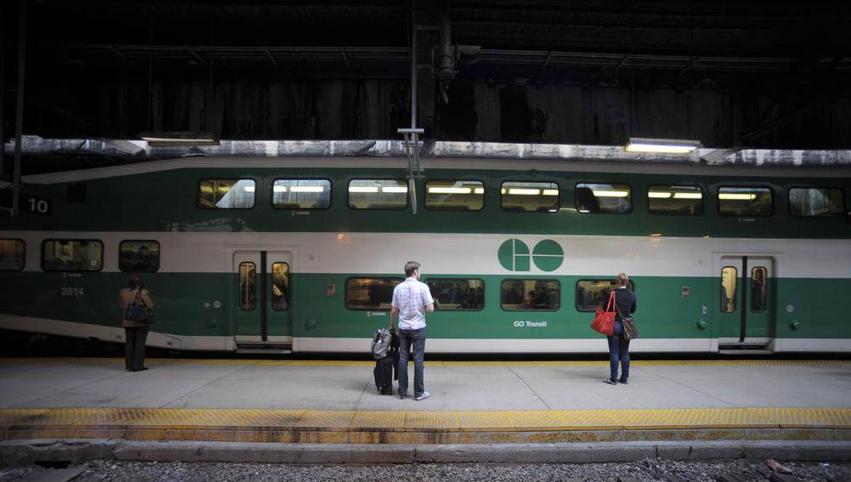 Metrolinx tables higher taxes tolls to pay for ontario for Table 52 go bus