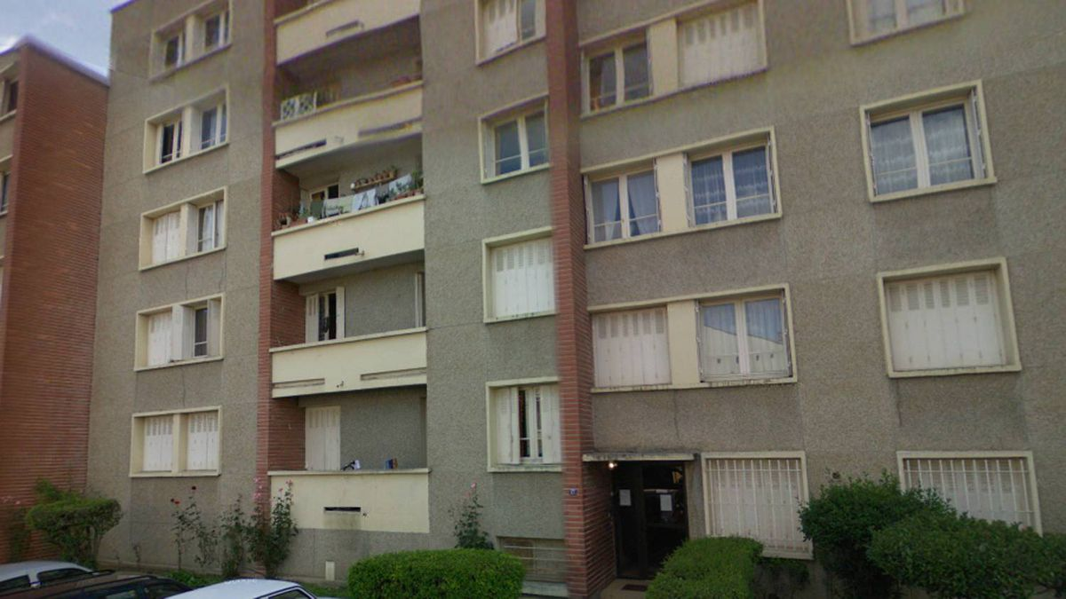 Screengrab from Google StreetView of an apartment building police have surrounded in Toulouse, France, in search for the suspect in a series of shootings in March, 2012.