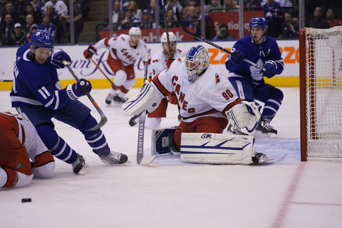 Hurricanes ride emergency backup goalie David Ayres to 6-3 win over Leafs