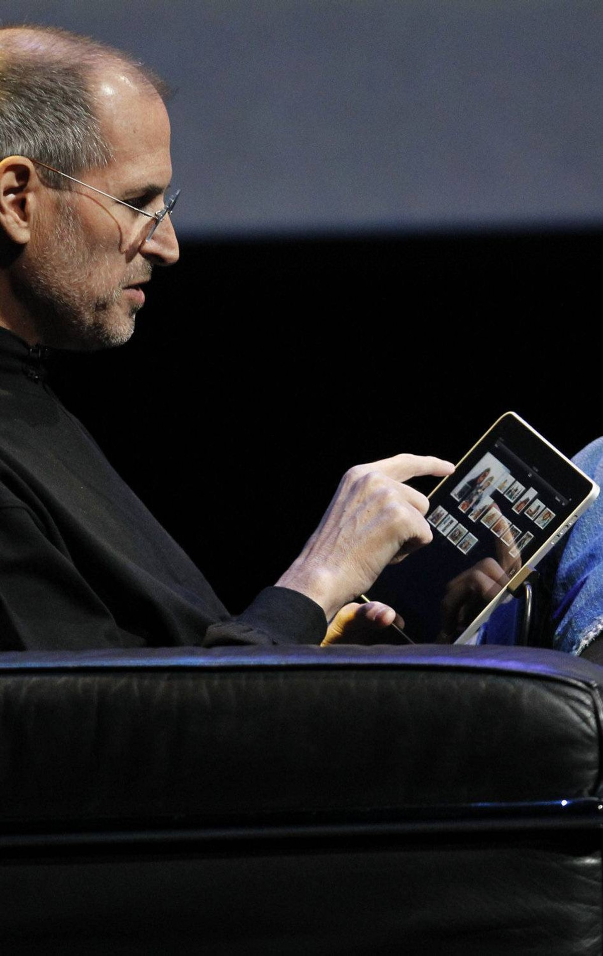Apple CEO Steve Jobs presents the iPad at the Moscone Center in San Francisco, Wednesday, Jan. 27, 2010.