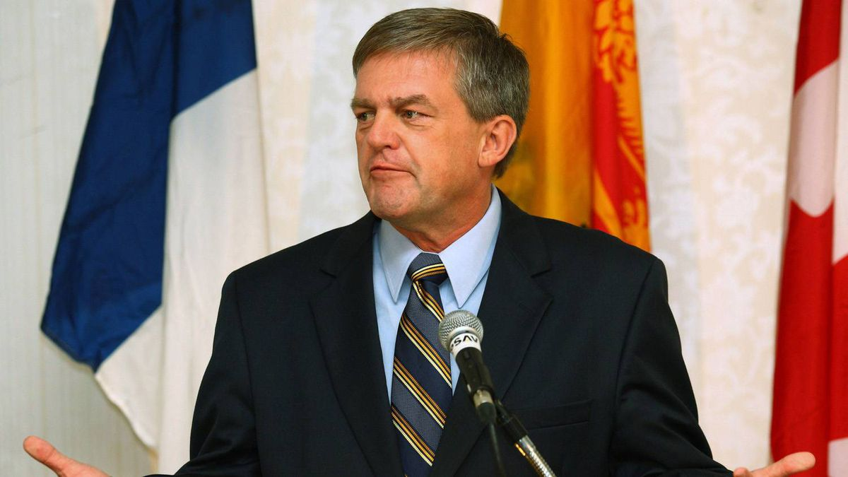 New Brunswick Premier-designate David Alward speaks during a news conference at the Delta hotel in Fredericton, New Brunswick, September 28, 2010. His Progressive Conservative party had won a majority government on Monday.