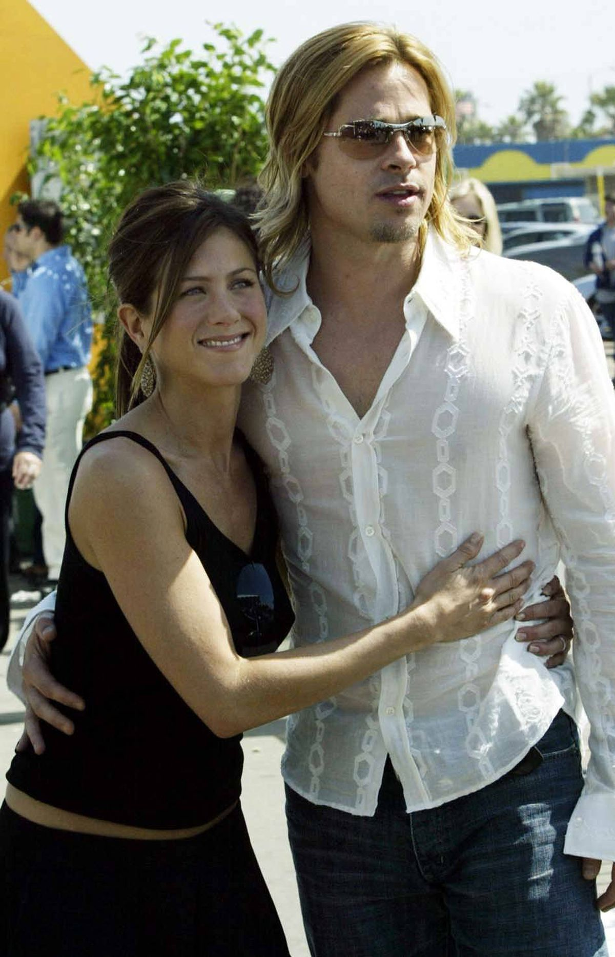 You're right, Jennifer: He does look like a lot more fun and way younger at the 2003 Spirit Awards in Santa Monica, Calif.