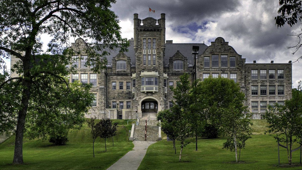 The former Port Arthur Collegiate Institute, which Lakehead took over from the local school board in 2008.