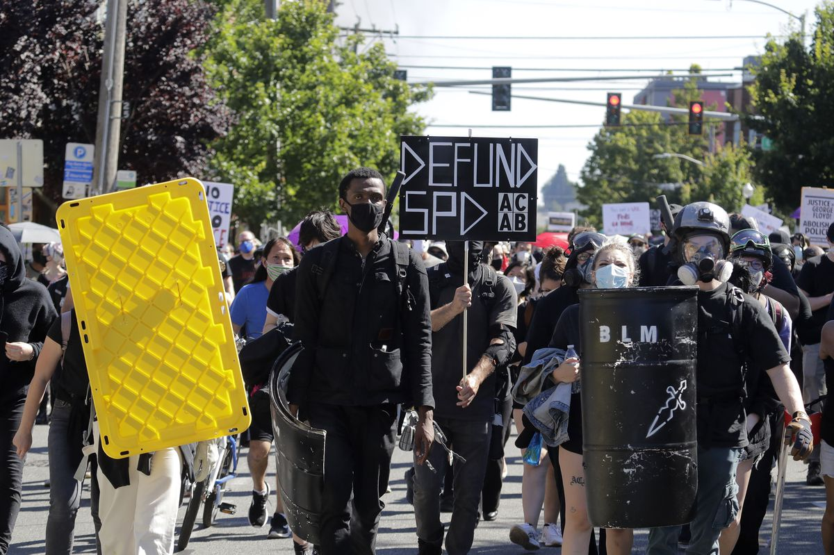Thousands march in Seattle in largest Black Lives Matter demonstration in weeks thumbnail