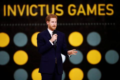 Prince Harry praises athletes for service as he helps kick off Invictus Games