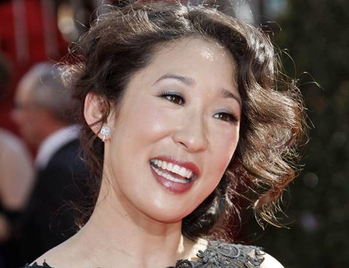 Actress Sandra Oh arrives at the 60th Primetime Emmy Awards in Los Angeles, Sunday, Sept. 21, 2008.