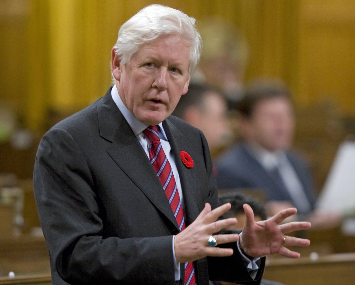 Liberal MP Bob Rae speaks during Question Period in the House of Commons on Friday, October 30, 2009.