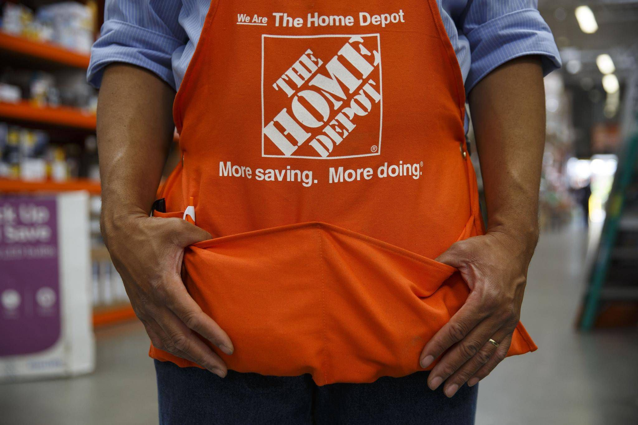 Home depots profit and sales top estimates on higher traffic home depots profit and sales top estimates on higher traffic spending the globe and mail biocorpaavc