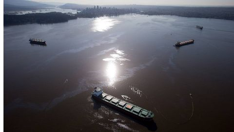 Officials seek answers after toxic spill in Vancouver's English Bay