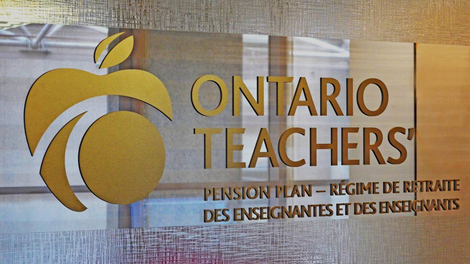 Teachers eyes new tack after 25 years - The Globe and Mail
