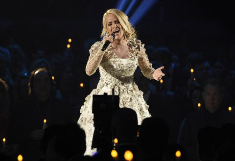 Carrie Underwood Says She Needed More Than 40 Stitches After Fall