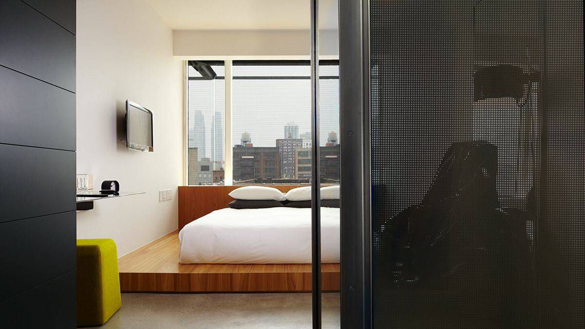 Simple, understated accomodations and a hipster vibe make it a hot spot in the Chelsea warehouse district.