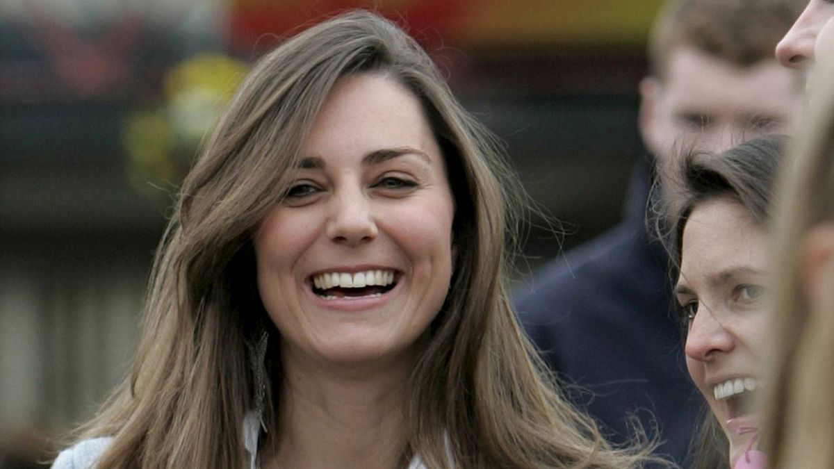 Kate Middleton attends the Cheltenham Festival in Gloucestershire, western England in this March 16, 2007 file photograph.