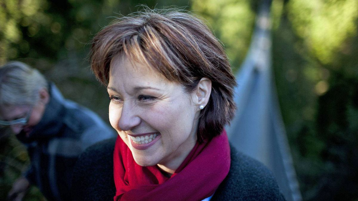 Christy Clark tours the Capilano Suspension Bridge while campaigning for the B.C. Liberal leadership in North Vancouver on Feb. 18, 2011.
