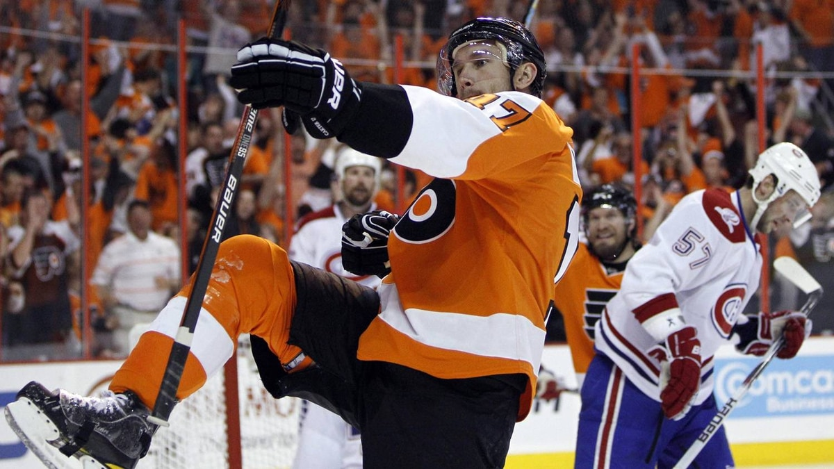 Philadelphia Flyers' Jeff Carter celebrates after his goal in the second period of Game 5 of the NHL hockey Eastern Conference finals against the Montreal Canadiens, Monday, May 24, 2010, in Philadelphia.