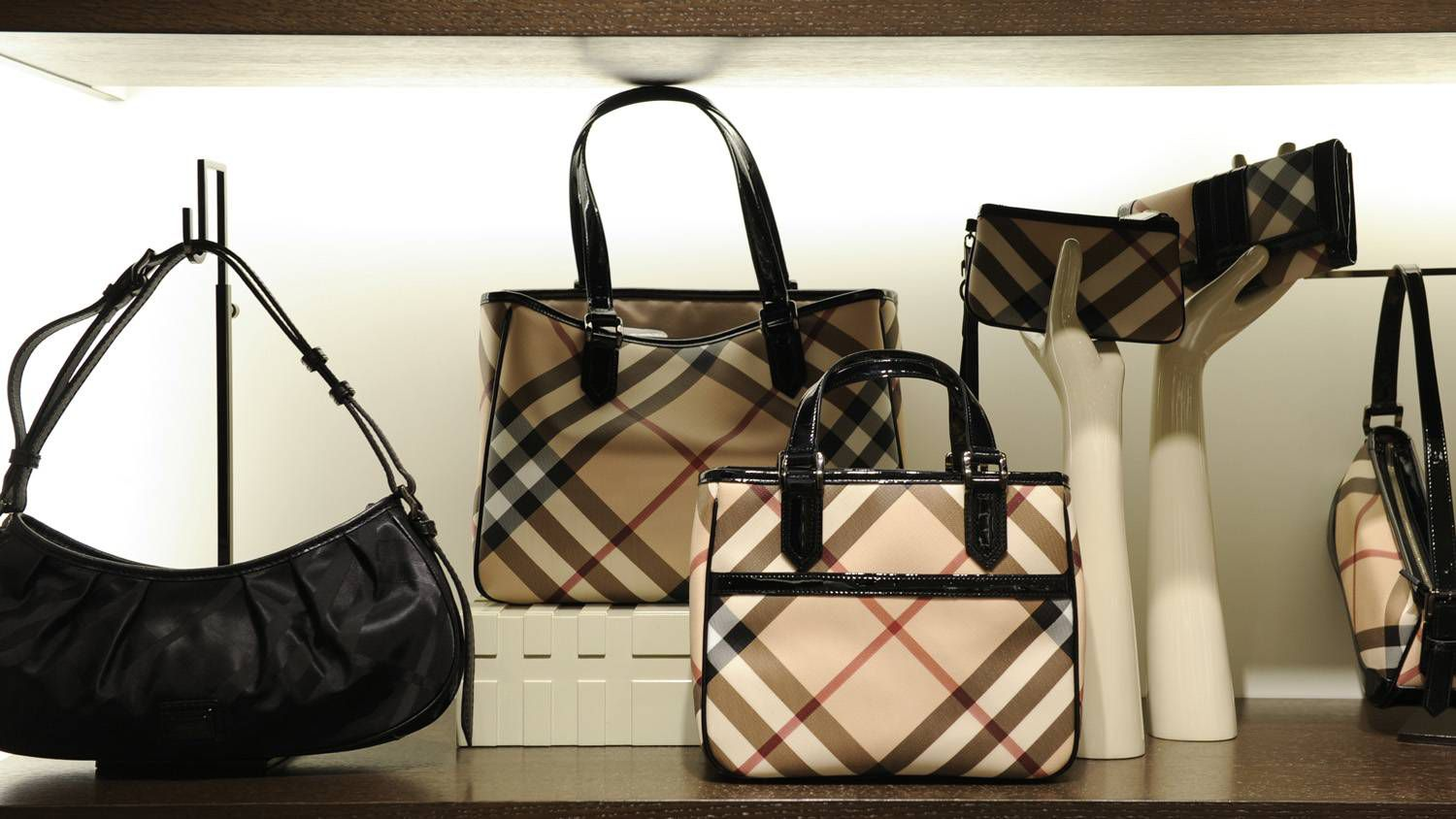 540ebf6fd299 How Burberry mended its checkered reputation - The Globe and Mail