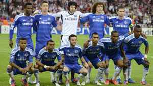 Chelsea players pose ahead of their Champions League final soccer match against Bayern Munich at the Allianz Arena in Munich, May 19, 2012. REUTERS/Dylan Martinez