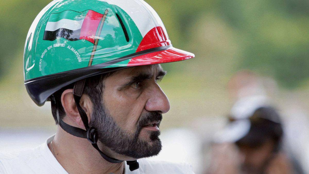 Dubai Crown Prince Sheik Mohammed bin Rashid al Maktoum competes with Jazik during the Open European Endurance Championship, 26 August 2005 in Compiegne.