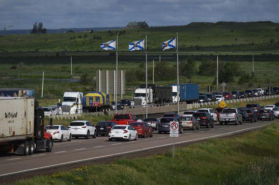 Heavy cross-border traffic as Atlantic provinces lift travel restrictions within region