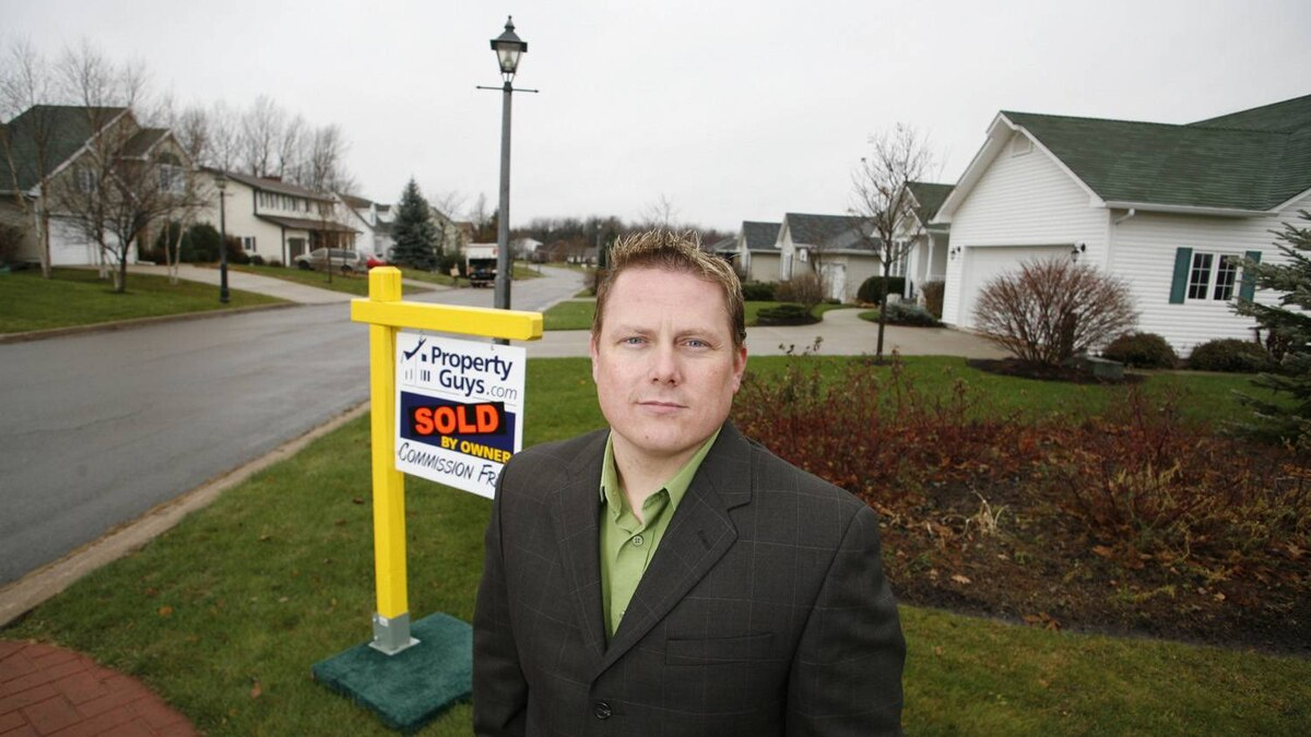 Ken LeBlanc, CEO of Moncton, N.B.-based Property Guys poses for a photo in Moncton on Tuesday November 27, 2007.