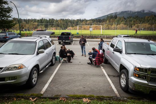 What we can learn from tailgaters to keep gathering outdoors this winter